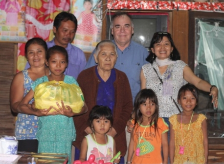 Dan and Hoang with the Family